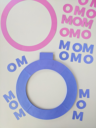 MOM Paper Wreath