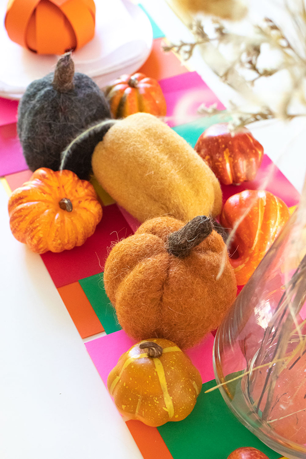 Retro Thanksgiving Paper Table Runner